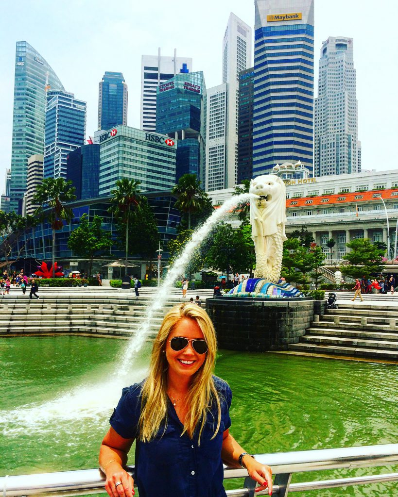a picture of me at the fountain at Merlion Park
