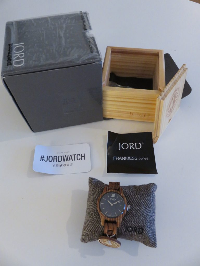 a picture of jord watch and its box