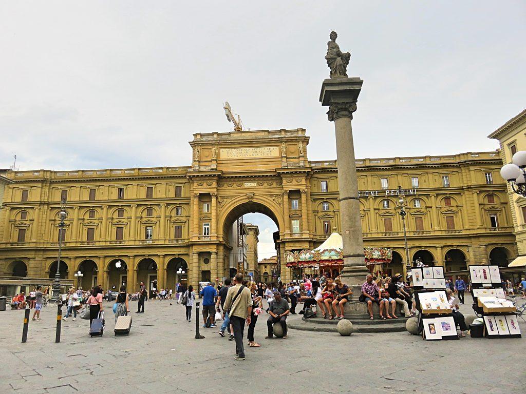 A picture of Piazza della Repubblica