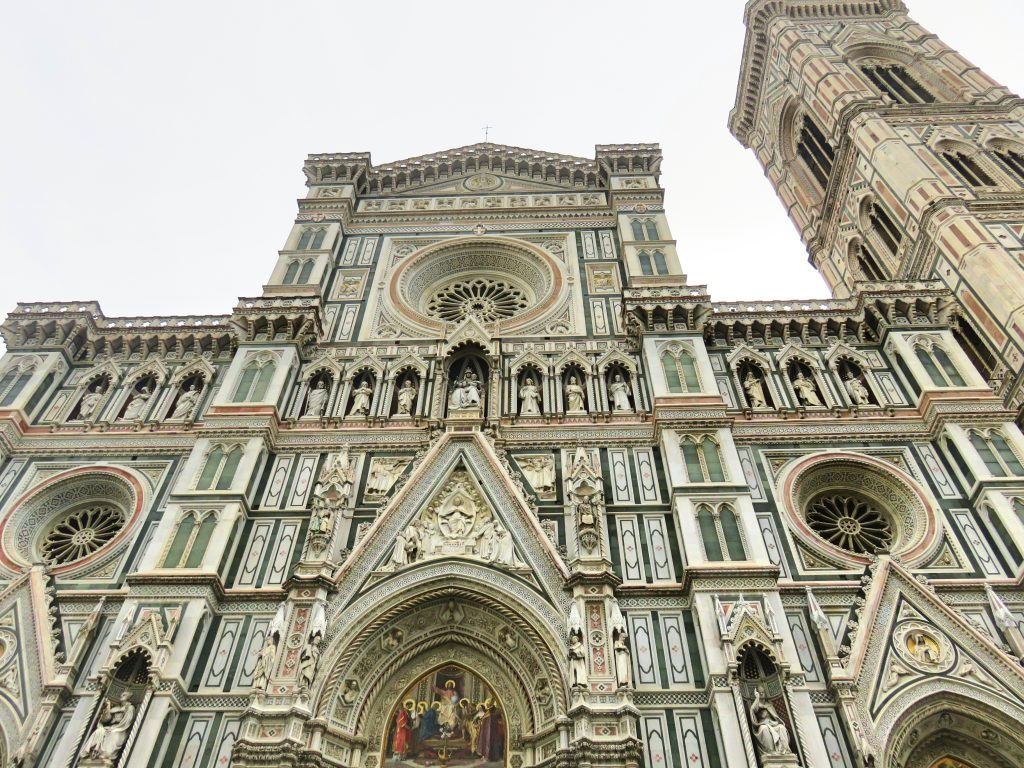 A picture of the entrance to Cattedrale di S.Maria del Fiore