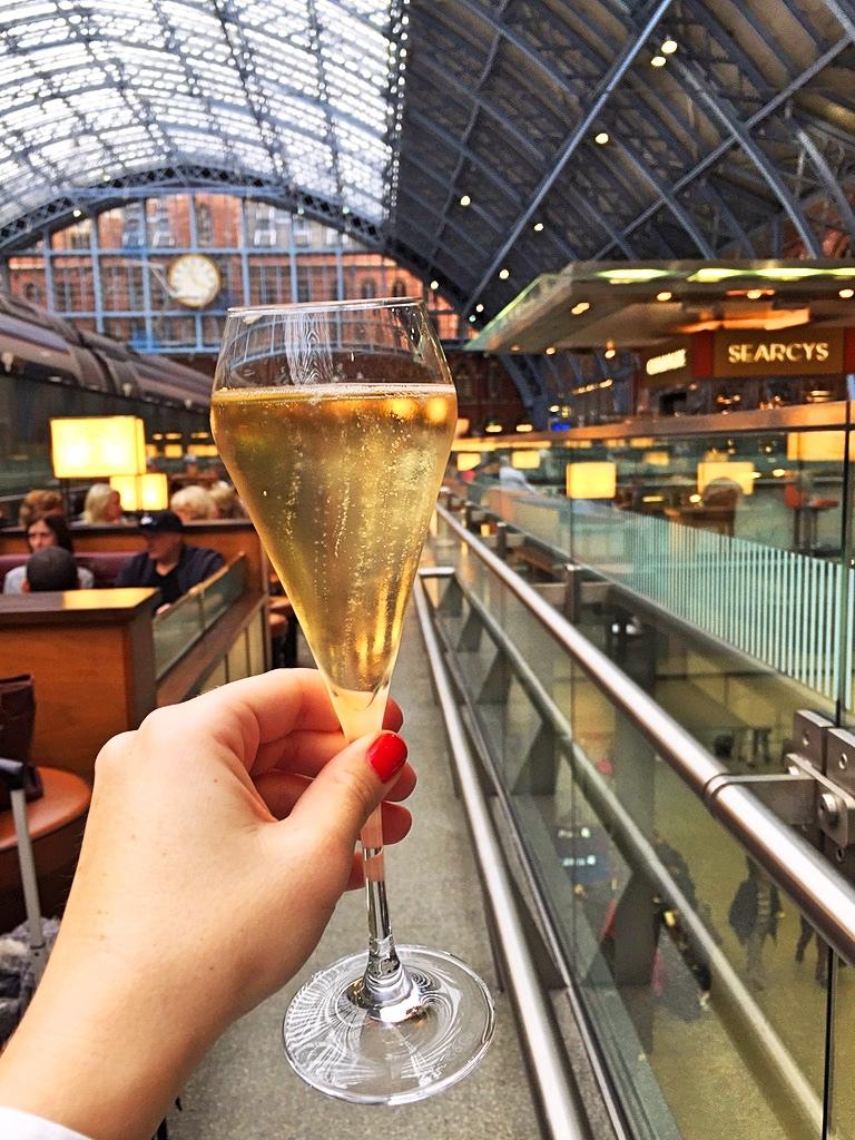 St Pancras champagnebar