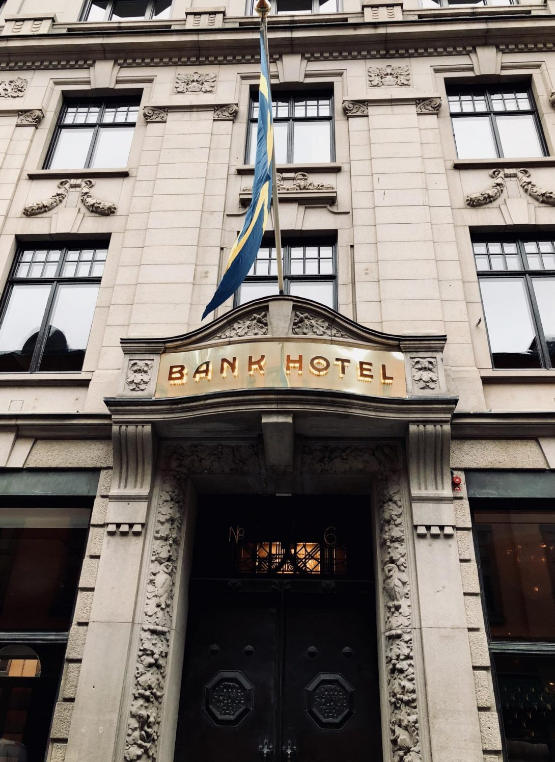 Bank hotell