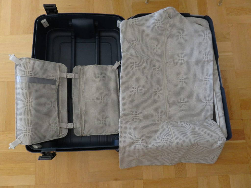 extra packing accessories in side the suitcase