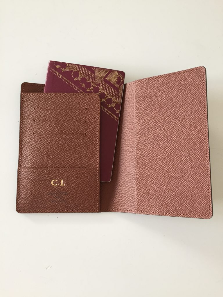 a picture of the passport with the passport cover