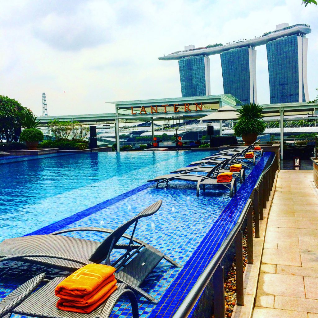 a picture of the pool at Fullerton Hotel