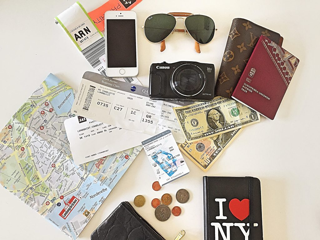 a picture of things i carry in my bag