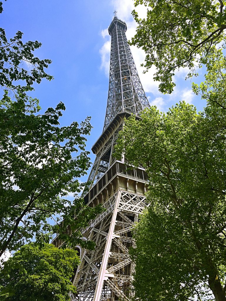 a picture the Eiffel tower from its base