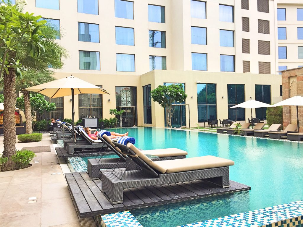 A picture of the swimming pool at the marriott courtyard