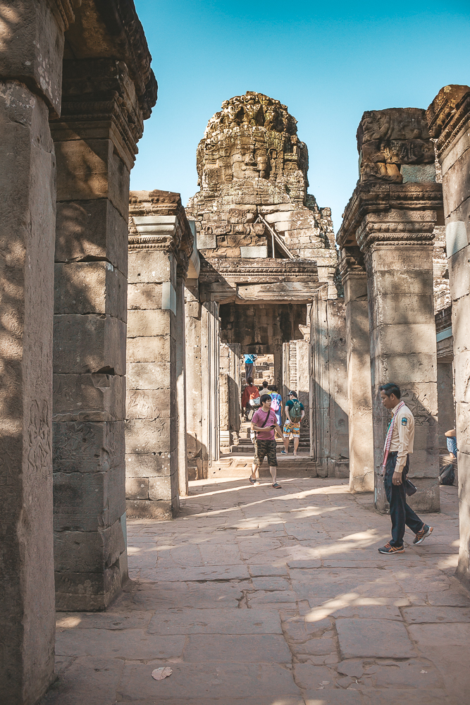 Inspirerande Bilder För Att Besöka Angkor Wat i Kambodja Bland det häftigaste jag någonsin har gjort i hela mitt liv är att ha besökt Angkor Wat i Kambodja. Det här var verkligen något speciellt och med dessa bilder hoppas jag kunna inspirera dig till att också vilja åka till Angkor Wat som ligger i staden Siem Reap i Kambodja. Jag har skrivit en egen resguide till huvudstaden Phnom Penh i Kambodja som du hittar HÄR och och en resguide med sightseeingtips på saker att se och gör i Kambodja. Den hittar duHÄR :) Här är mina inspirerande bilder till Angkor Wat i Kambodja